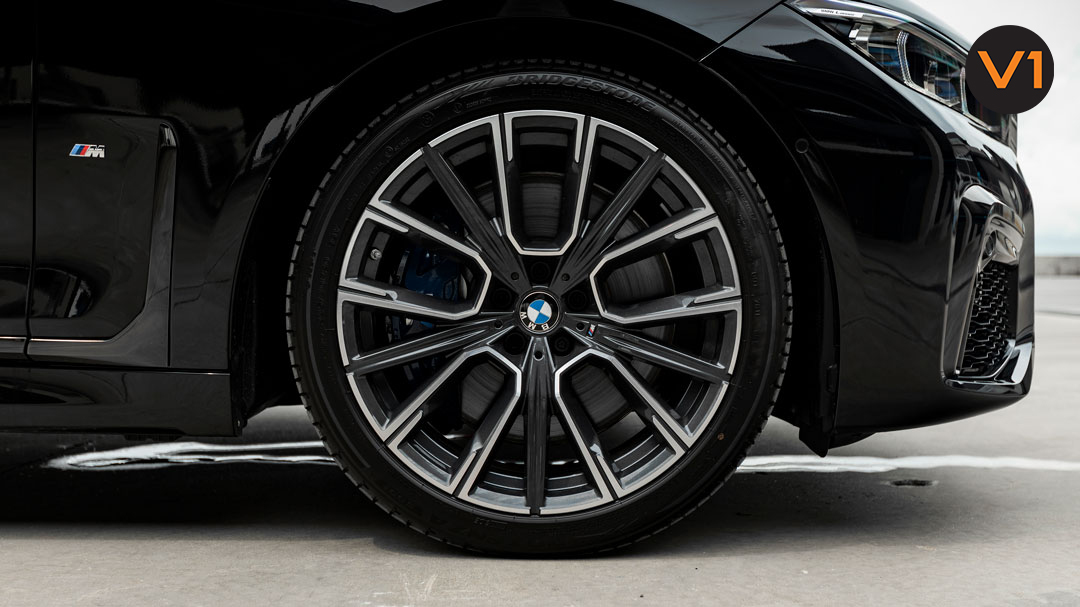 BMW 740LI M Sport - Black Carbon Metallic - Wheels