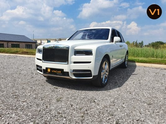 Rolls Royce Cullinan in Arctic White