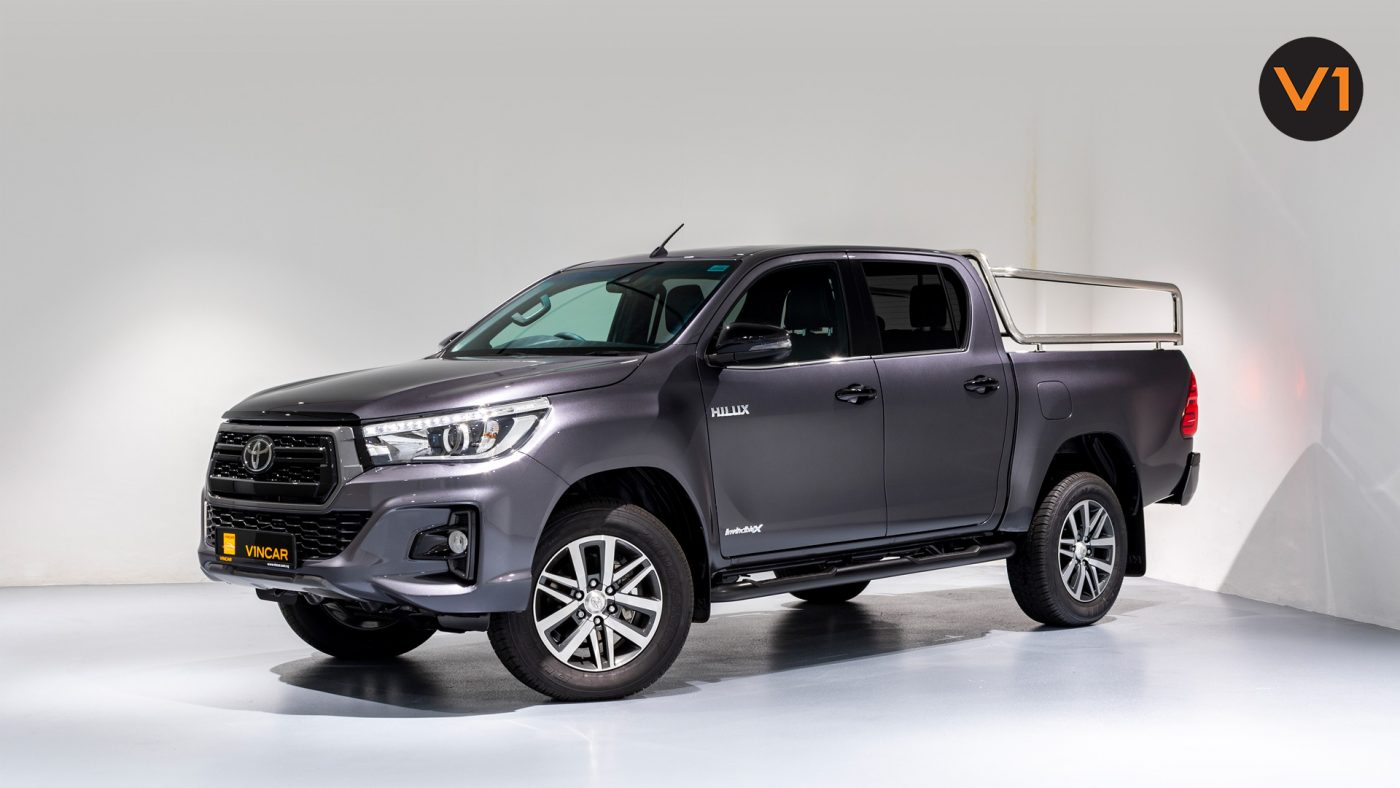 This image has an empty alt attribute; its file name is Toyota-Hilux-Double-Cab-Auto-Invincible-X-Front-Angle-1400x788.jpg