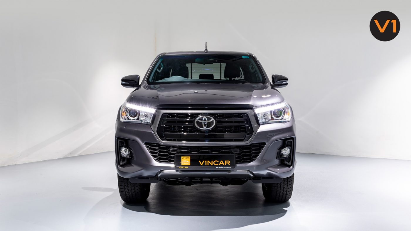 This image has an empty alt attribute; its file name is Toyota-Hilux-Double-Cab-Auto-Invincible-X-Front-Direct-1400x788.jpg
