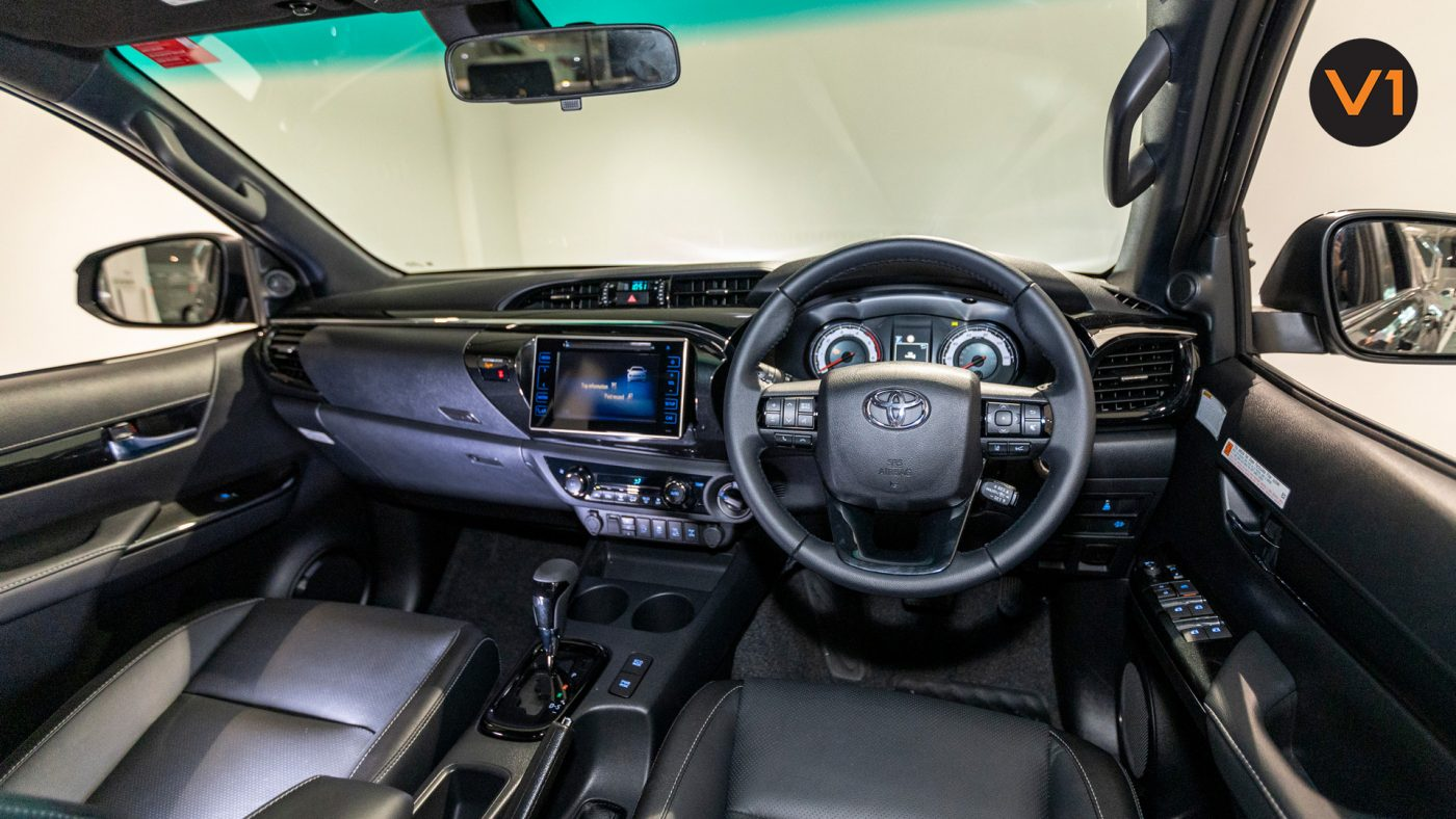 This image has an empty alt attribute; its file name is Toyota-Hilux-Double-Cab-Auto-Invincible-X-Interior-Dash-1400x788.jpg