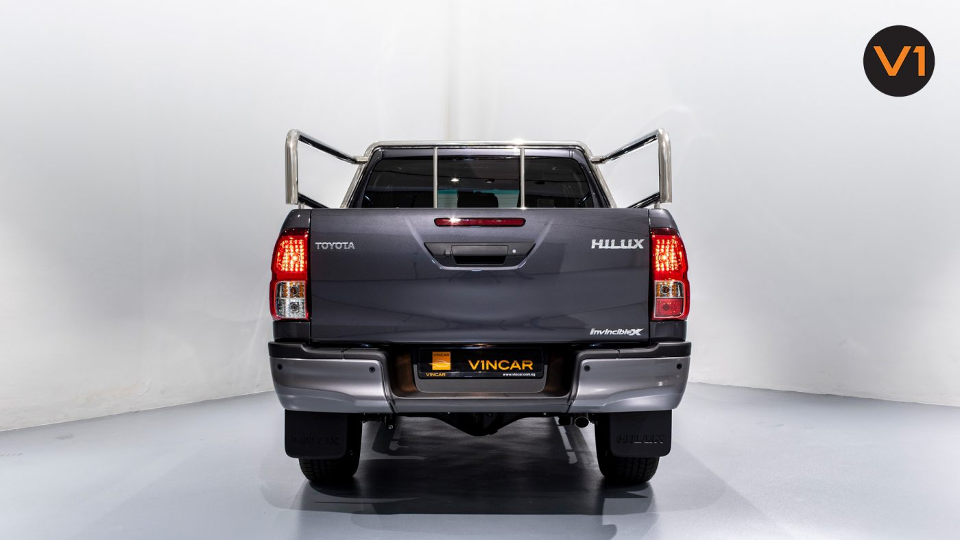 This image has an empty alt attribute; its file name is Toyota-Hilux-Double-Cab-Auto-Invincible-X-Rear-Direct-1400x788.jpg